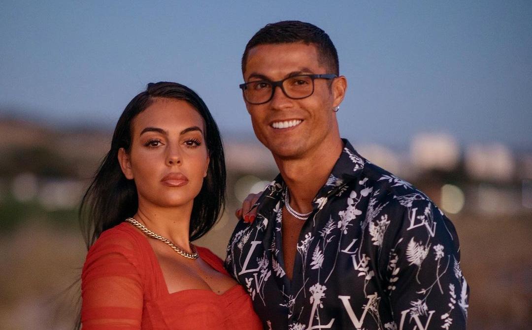Ronaldo và bạn gái lại ghi điểm khi âm thầm giúp đỡ cậu bé bị ung thư