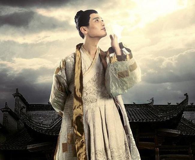 Tây Môn Khánh nổi tiếng đời sống phong lưu dâm loạn.