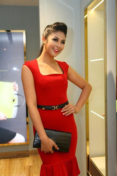 Hoa hậu Việt Nam 2010 Ngọc Hân cũng đến