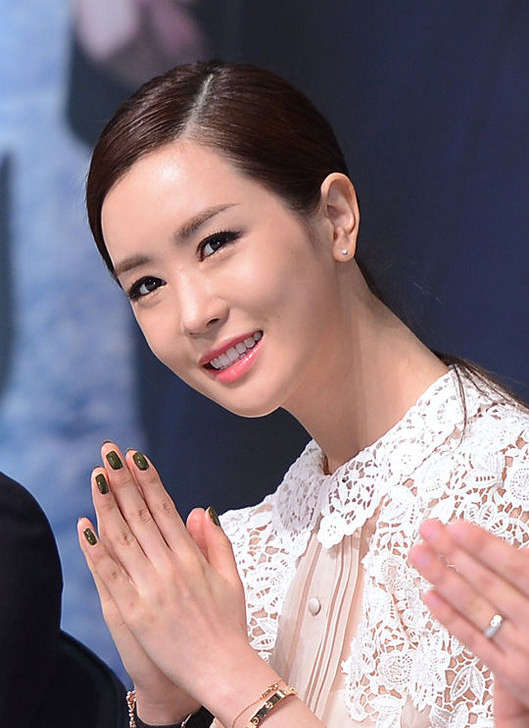 """Lee Da Hae """"xứng danh"""" Nữ hoàng dao kéo xứ Kim Chi 1"""