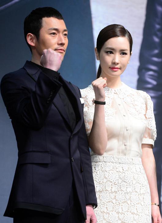 """Lee Da Hae """"xứng danh"""" Nữ hoàng dao kéo xứ Kim Chi 4"""