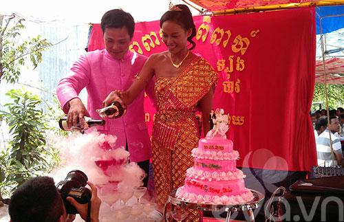 Đám cưới Khmer của HH biển Lâm Thu Hằng - 5