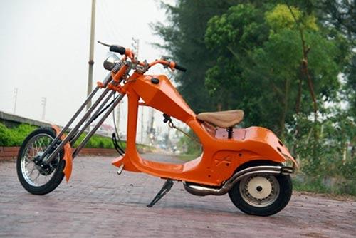 Chiếc xe là sự kết hợp của dòng chopper và Vespa cổ, hai cá tính tương phản nhau.