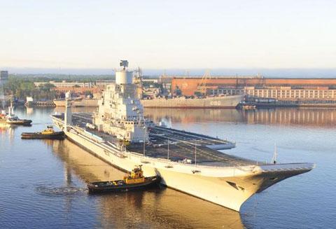 Dự kiến, năm 2013, Hải quân Ấn Độ sẽ tiếp nhận thêm tàu sân bay cỡ lớn INS Vikramaditya được sửa chữa nâng cấp từ tàu Đô đốc Gorshkov Hải quân Liên Xô.