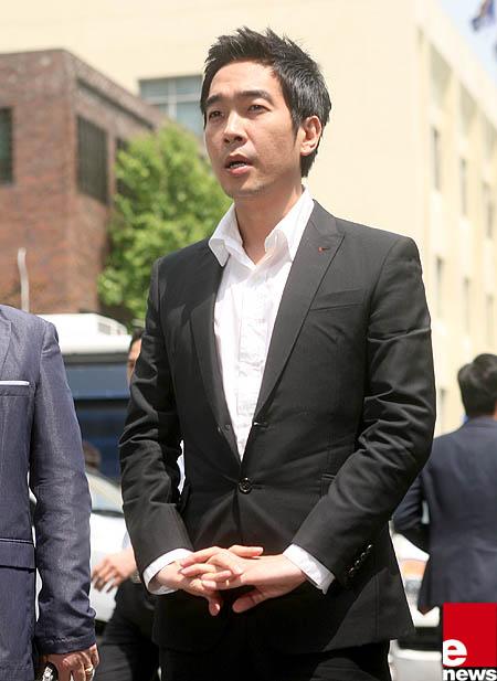 Nam ca sỹ Hàn lĩnh án 5 năm tù vì tội hiếp dâm 2