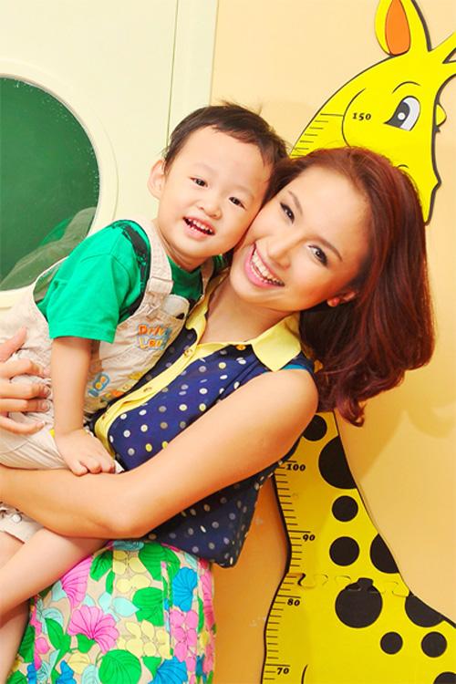 Ngắm những nhóc tì của các bà mẹ đơn thân trong Vbiz 5