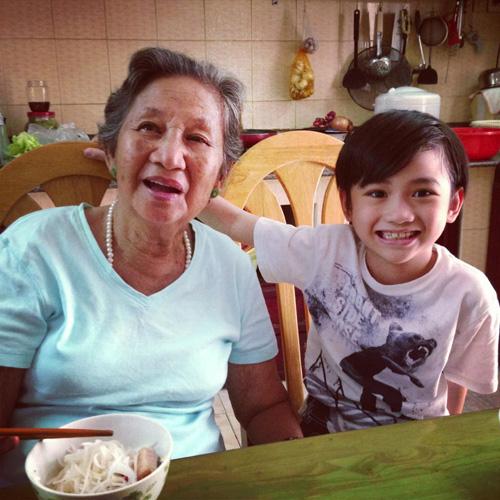Ngắm những nhóc tì của các bà mẹ đơn thân trong Vbiz 12