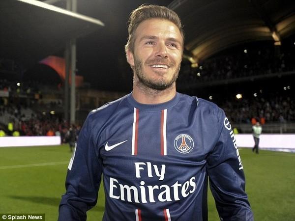 """Thần chết"""" Ramsey ghi bàn khiến... Beckham nghỉ hưu 7"""