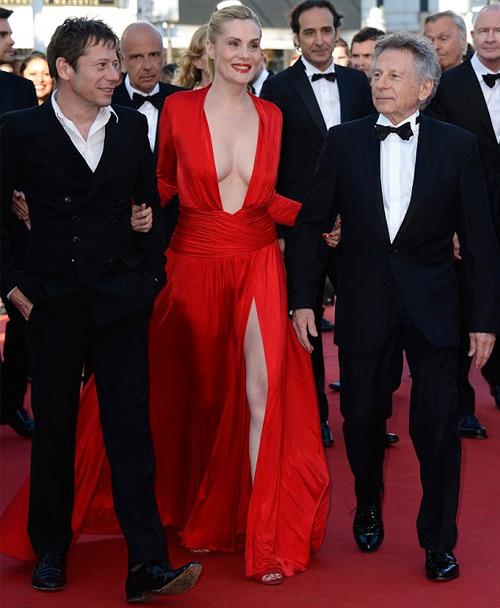 Sao lạm dụng nội y trên sân khấu, Thời trang, noi y, thoi trang, thoi trang tre, Paris Hilton, thoi trang tham do, thoi trang Cannes, trang phục cut-out, bikini, thoi trang cua sao