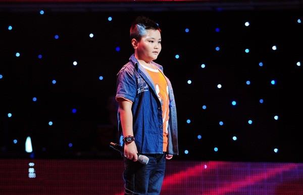 """The Voice Kids tập 1: Bé gái 9 tuổi khiến HLV Thanh Bùi """"nổi da gà"""" 3"""