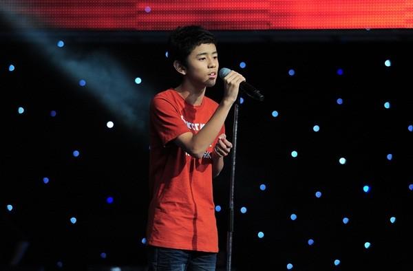"""The Voice Kids tập 1: Bé gái 9 tuổi khiến HLV Thanh Bùi """"nổi da gà"""" 5"""