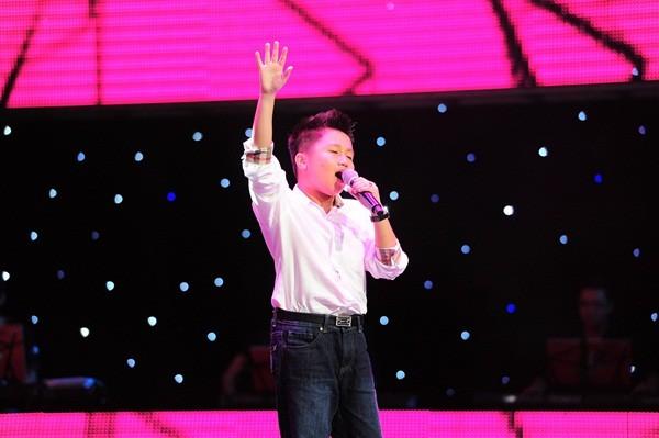 """The Voice Kids tập 1: Bé gái 9 tuổi khiến HLV Thanh Bùi """"nổi da gà"""" 6"""
