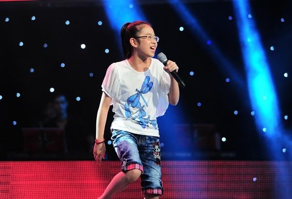 """The Voice Kids tập 1: Bé gái 9 tuổi khiến HLV Thanh Bùi """"nổi da gà"""" 7"""