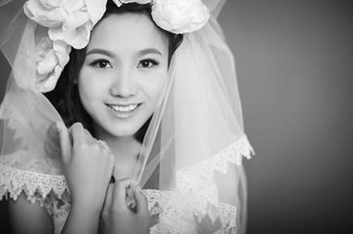 Nữ sinh cảnh sát hóa thành cô dâu xinh đẹp