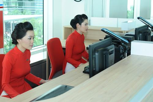Nhân viên ngân hàng nào mặc đẹp nhất?