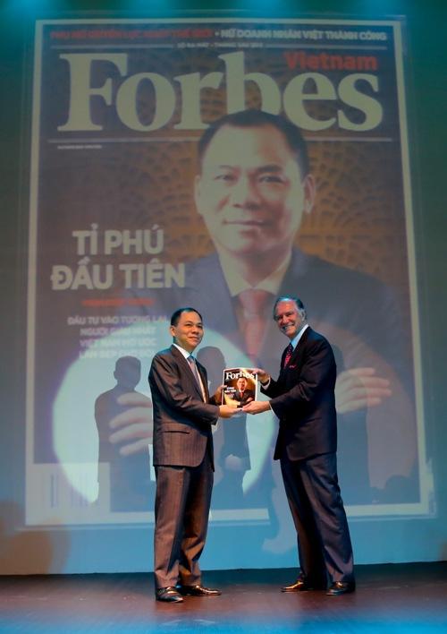 Phạm Nhật Vượng - người Việt đầu tiên vào bản đồ tỉ phú đô la thế giới