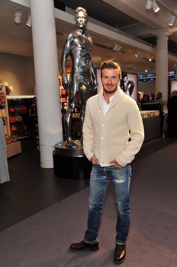 Bí quyết diện jeans của Beckham 15