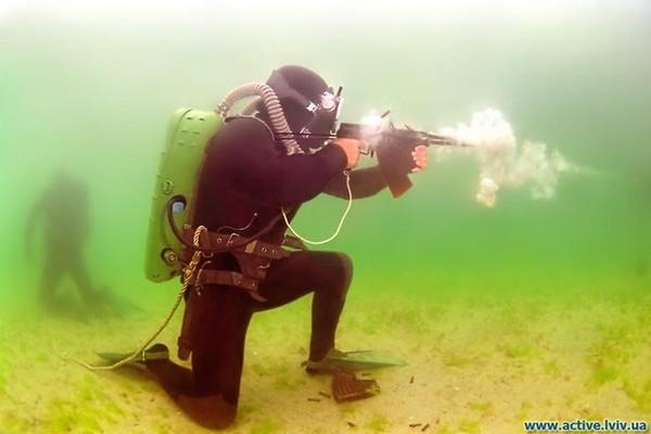Xạ kích dưới đáy biển