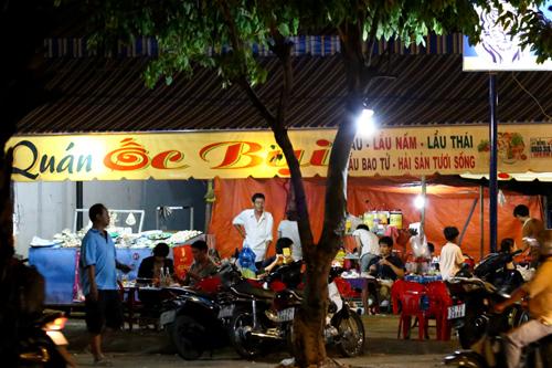 Cận cảnh quán bán xôi gia truyền của mẹ Angela Phương Trinh