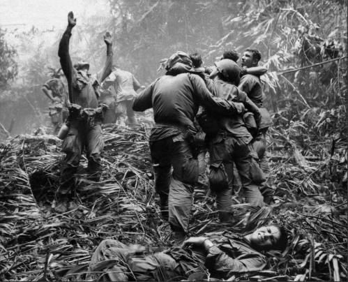 Những bức hình ám ảnh về chiến tranh Việt Nam