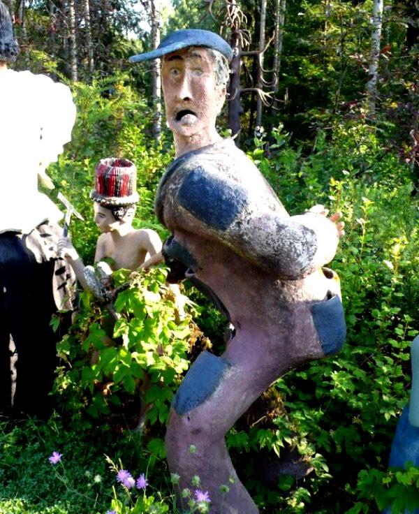 """Những khu vườn tượng ma quái khiến bạn """"choáng váng"""" 4"""
