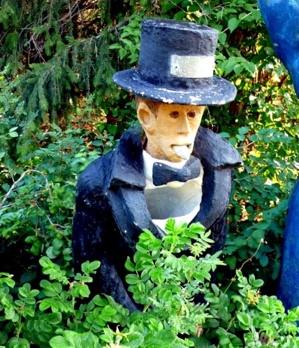 """Những khu vườn tượng ma quái khiến bạn """"choáng váng"""" 7"""