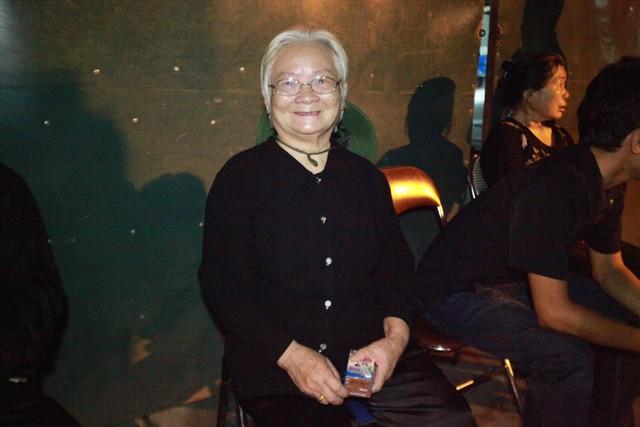 Cụ bà Nguyễn Thị Mão, cựu thanh niên xung phong cho biết không thể chợp mắt trước ngày Quốc tang Đại tướng.