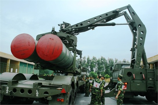 Mặc dù rất mạnh nhưng S-300PMU1 vẫn có những điểm yếu cố hữu của tên lửa tầm xa