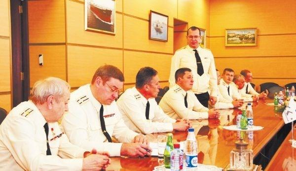 Lễ ký biên bản nghiệm thu tàu ngầm Hà Nội cho Ủy ban tiếp nhận bàn giao nhà nước Nga. Theo đó, trên 99% các chỉ số của tàu đều đạt loại xuất sắc