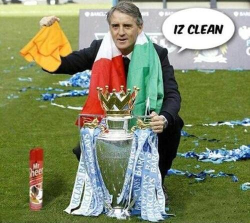 Mancini lau cúp chờ Quỷ đỏ đến lấy