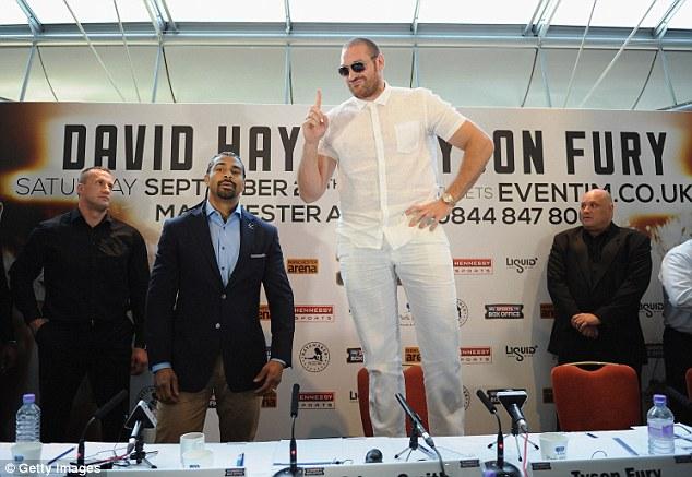 David trong buổi họp thông báo trận đấu với Tyson Fury