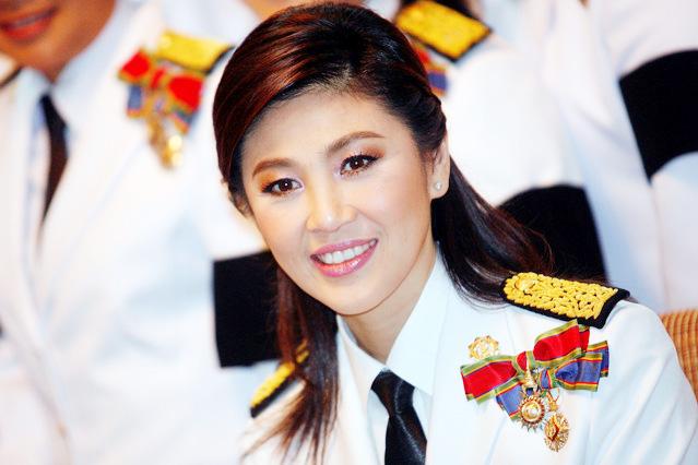 Với nụ cười rạng rỡ nữ bà Yingluck nhận được rất nhiều sự ủng hộ của nhân dân Thái Lan.