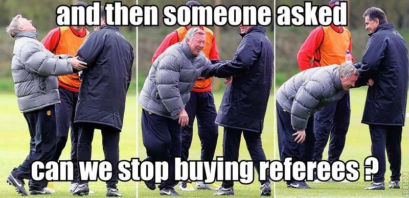 Man United lại nhờ trọng tài...