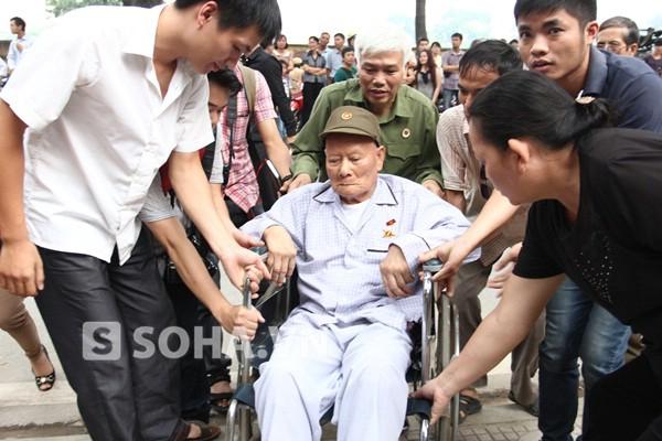 Cựu chiến binh Nguyễn Quang Tháp 86 tuổi, người từng chiến đấu tại sư đoàn 320, thương binh loại đặc biệt. Ông nói: