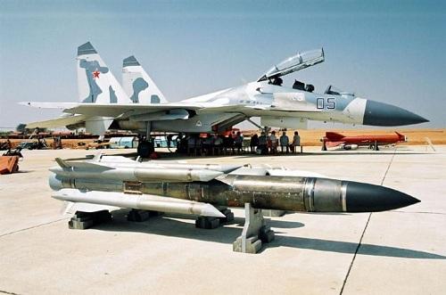 Cùng năm đó, Việt Nam tiếp tục đặt hàng 80 quả tên lửa chống hạm phóng từ trên không Kh-31A/AS-17. Tên lửa Kh-31A được trang bị cho tiêm kích Su-30MK2.