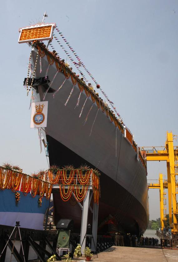 Lễ hạ thủy khu trục hạm INS Kiltan vào thứ Ba, 26/3/2013.