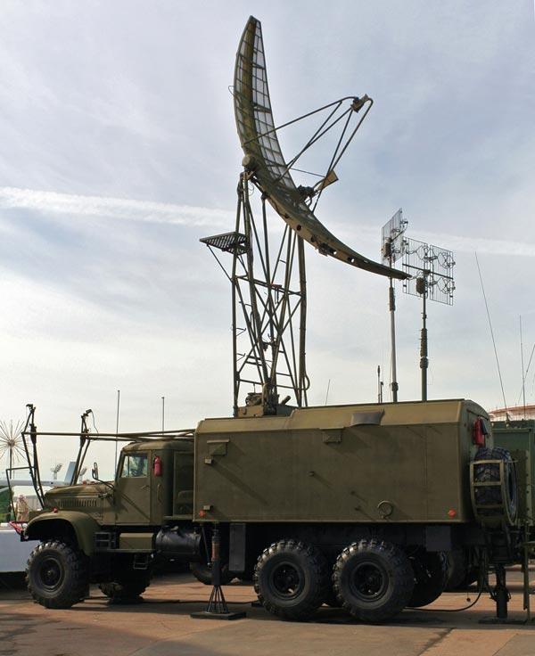 Radar đo độ cao PRV-16, loại radar này thường được triển khai xen kẻ với các loại radar 2 tham số để phối hợp cung cấp tham số thứ 3 về mục tiêu cho các hệ thống phòng không.