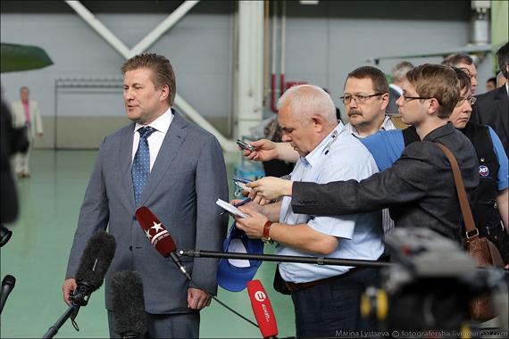 Tổng giám đốc tập đoàn MiG Sergei Korotkov phát biểu tại lễ kỷ niệm.
