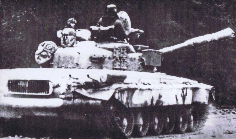 Hình ảnh đầu tiên của T-80 do NATO chụp được tại Đức tháng 12/1984