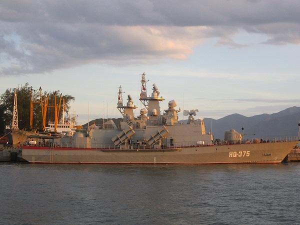 Hai tàu HQ-375 và HQ-376