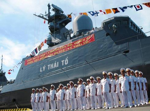 Tàu tên lửa HQ-012 mang tên Lý Thái Tổ