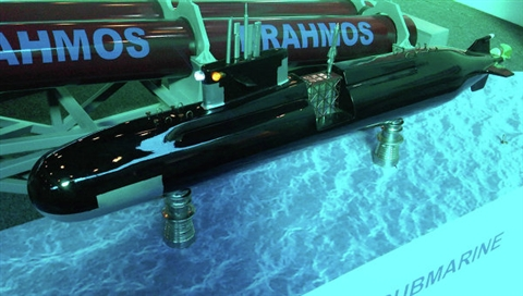 Tên lửa Brahmos phóng từtàu ngầm