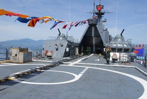 Hệ thống vũ khí trên tàu