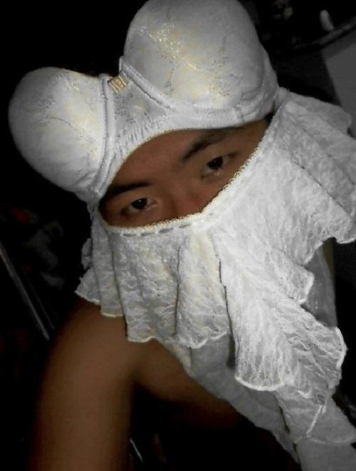 Ninja trắng toát