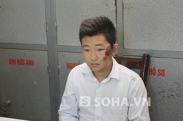 Khánh khai một mình Tường kéo xác nạn nhân vứt xuống sông.