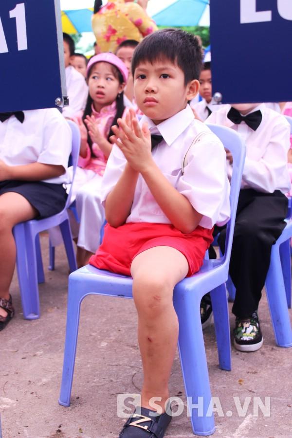 Thiện Nhân bước sang học lớp 2A1, Trường Tiểu học Quốc tế V.I.P Hà Nội.