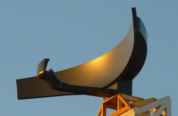 Radar giám sát hàng hải Coast Watcher 100, đây là loại radar được thiết kế với công nghệ tối tân có thể phát hiện các mục tiêu ngoài giới hạn đường chân trời mà các radar thông thường không làm được.