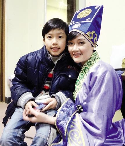 Hình ảnh lém lỉnh, dễ thương của con cái danh hài Việt Nam