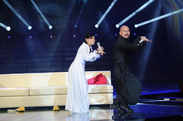 """Cát Phượng, Phan Đinh Tùng """"đuối"""" khi không tung chiêu trò trên sân khấu."""