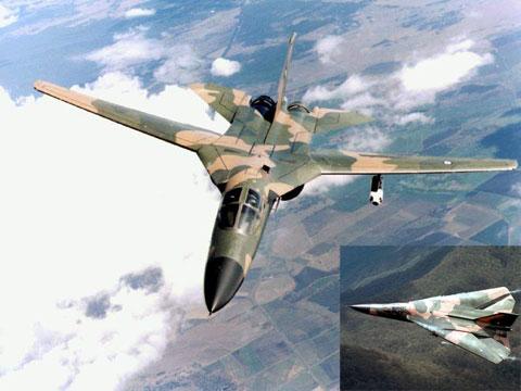 Máy bay cánh cụp cánh xòe F-111 là máy bay có độ cao bay cực thấp